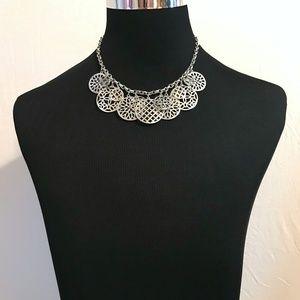 Jewelry - EUC Silver Tone Statement Necklace Evening Wear